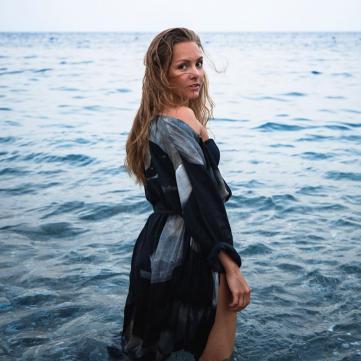 Алена Шоптенко в купальнике