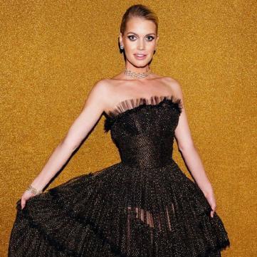 Племінниця принцеси Діани в напівпрозорій сукні чарує стрункістю