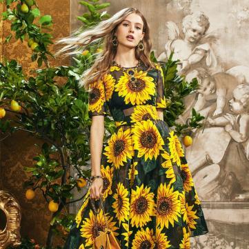 Самые модные цвета 2020 года, которые раскрасят весенне-летний гардероб
