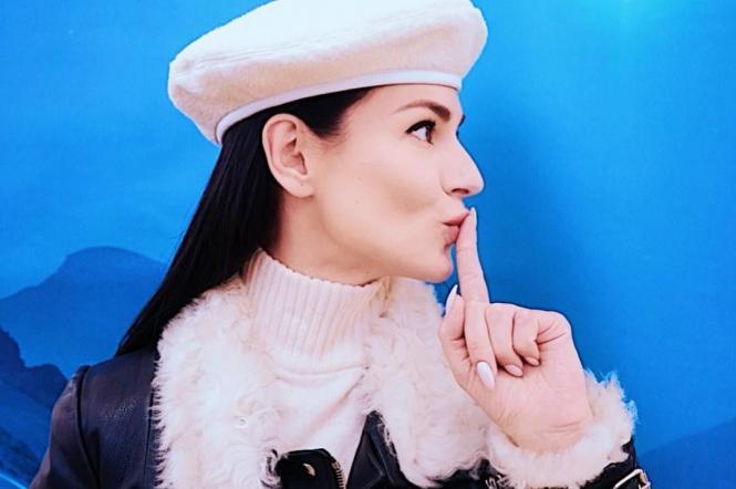 Маша Ефросинина в берете