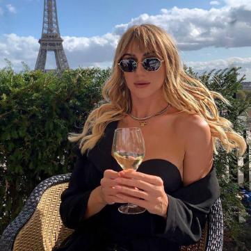 Леся Нікітюк у парижі