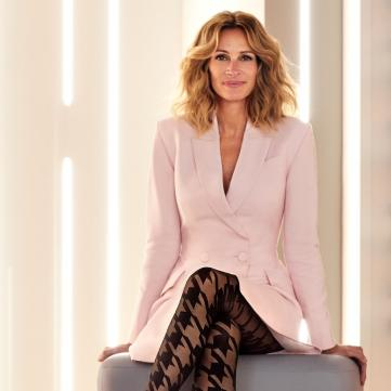 Джулия Робертс в платье-пиджаке