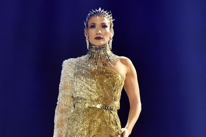 дженнифер лопес в золотом платье