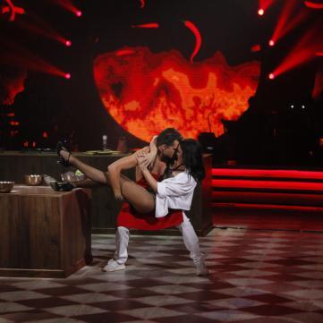 «Кекс» на кухне и Полякова в теле Кароль: самое яркое из седьмого эфира «Танцев со звездами»