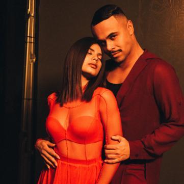 Michelle Andrade и Франсиско Гомес демонстрируют нежные отношения за кулисами