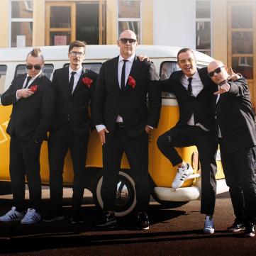 Гурт MOZGI заспівав про те, як українці гуляють на весіллі
