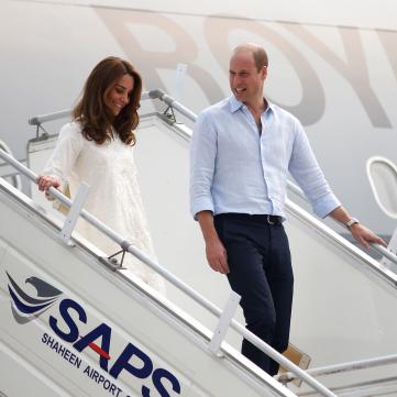 Кейт Миддлтон и принц Уильям едва не попали в авиакатастрофу из-за шторма