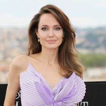 Анджеліна Джолі зізналася, хто допоміг їй пережити розлучення з Бредом Піттом
