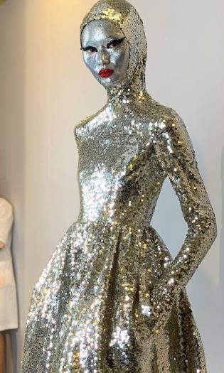 Инопланетное платье от Валентино.