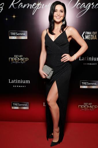 Людмила Барбір у чорній сукні