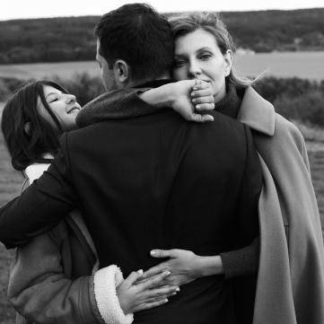 Владимир и Елена Зеленские демонстрируют искренние чувства в новой фотосессии