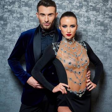 Анна Ризатдинова и Александр Прохоров в total white образах пришли на концерт