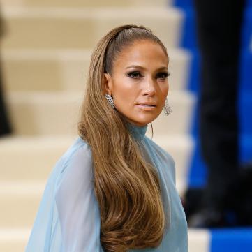 Стилист Дженнифер Лопес разкрыл секрет идеальных волос