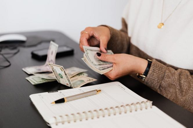 гроші у борг
