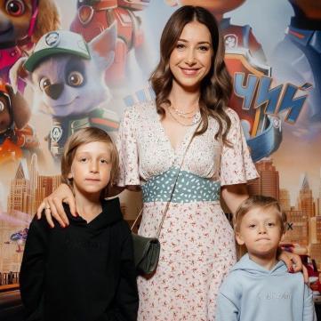 Стася Ровінська з синами