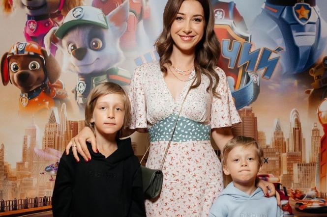 Стася Ровинская с сыновьями