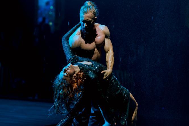 виступ Олексія Суровцева у першому випуску шоу Танці з зірками