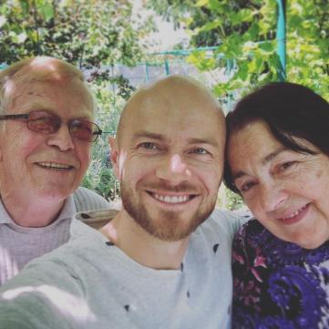 Влад Яма батьки