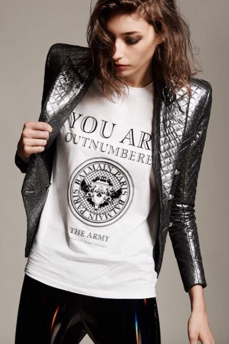 мода, срібний колір