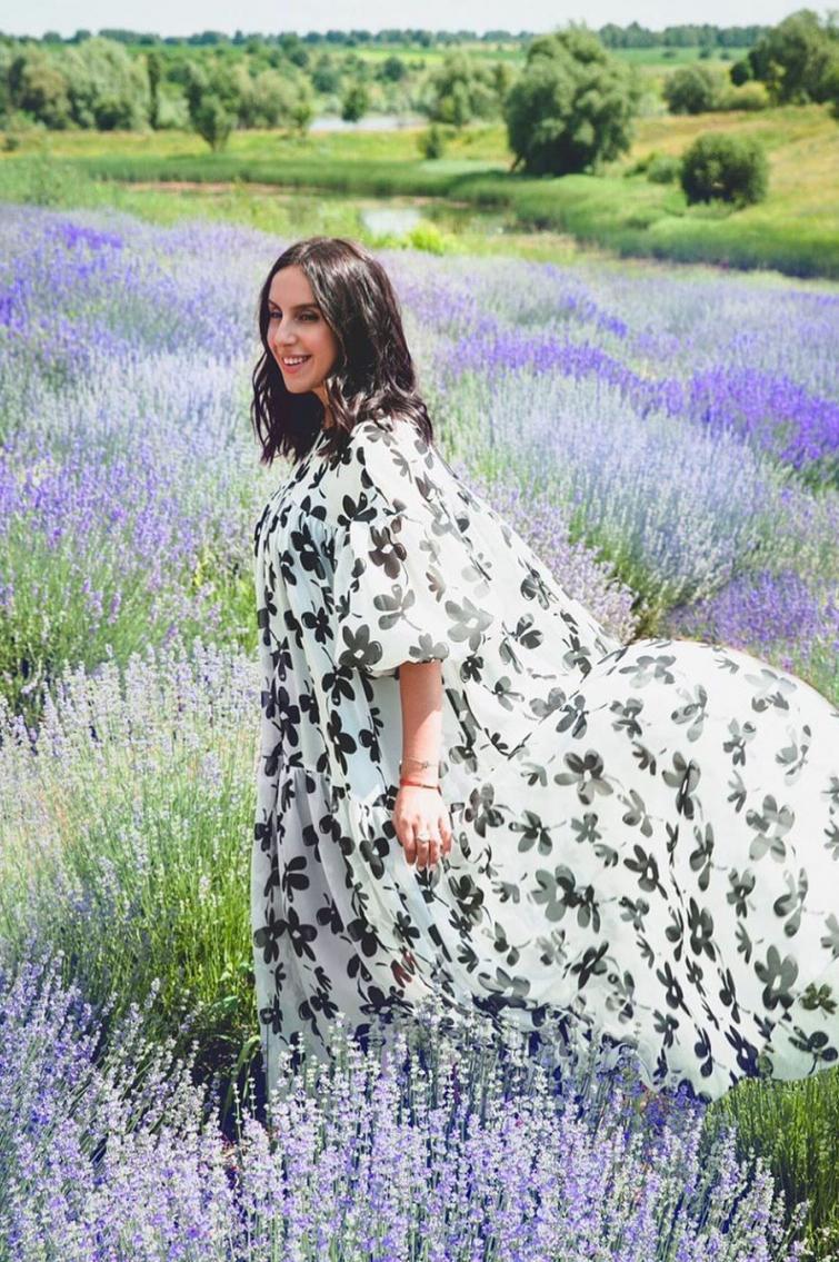 Джамала у квітковій сукні