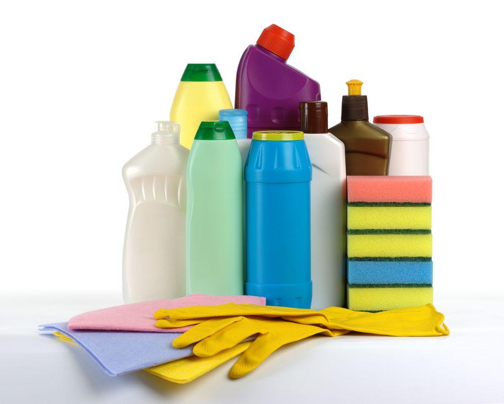 Засоби для чищення можуть спричинити подразнення. Змішувати різні типи  миючих засобів для досягнення ідеальної чистоти - фатальна помилка 42c401d7a712e